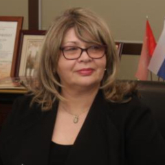 Irina Dardynskaia headshot.