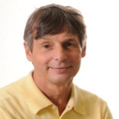 Daniel Hryhorczuk headshot.