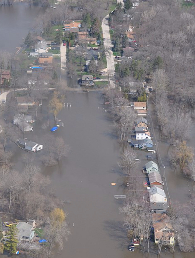 An aerial view of neighborhoods flooded by the Fox River in Illinois in 2018.