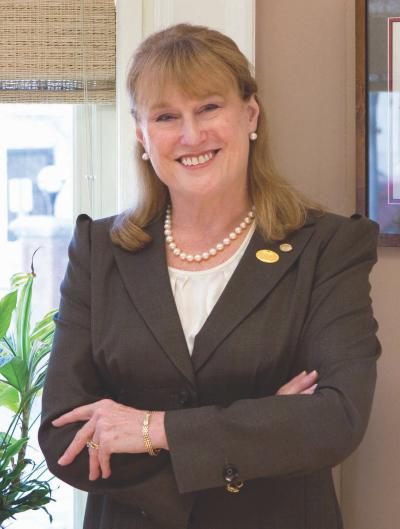 Susan Scrimshaw headshot.