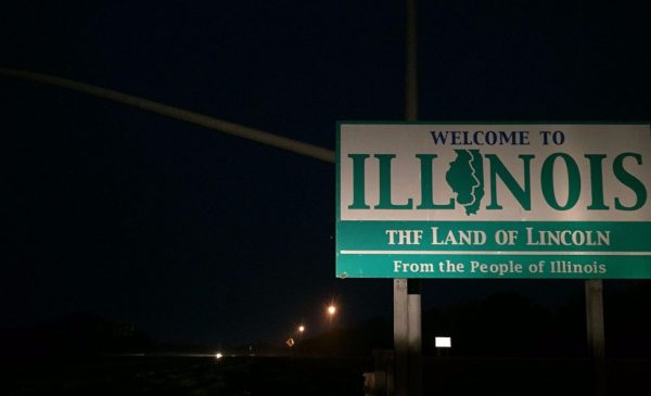 A billboard at the Illinois state border stating: Welcome to Illinois, the Land of Lincoln.