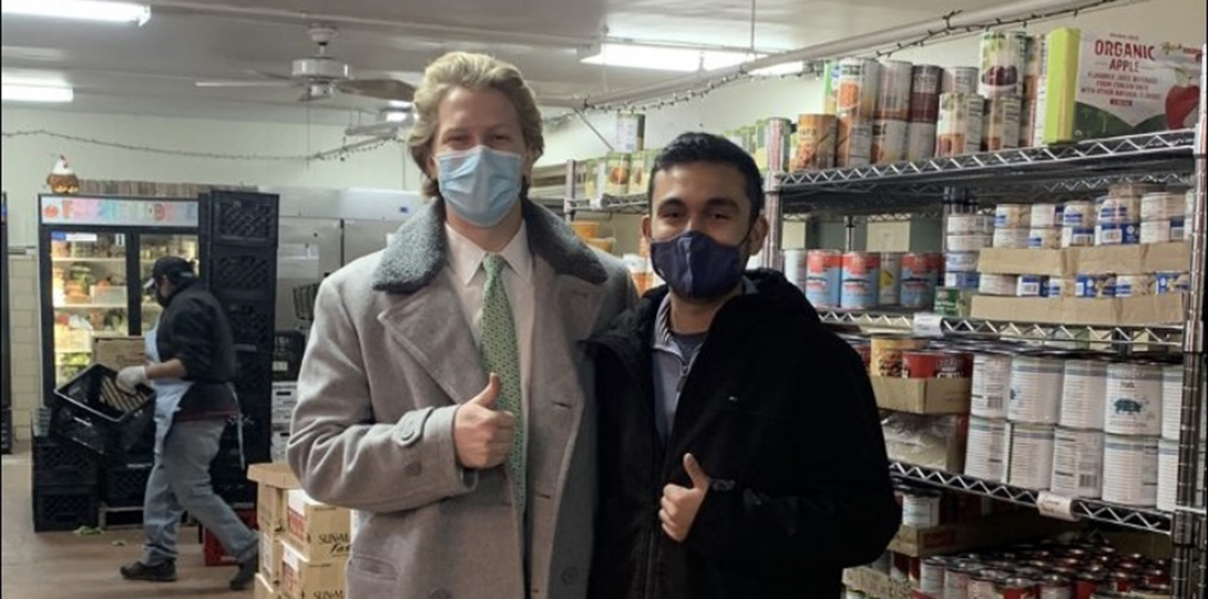 UIC MHA students volunteer at Pilsen Food Pantry